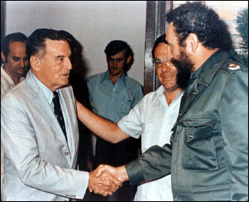 Kirby Jones introduces his father to Fidel Castro